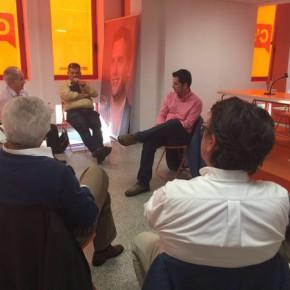 Carballo explica la política del grupo municipal a los afiliados de la Agrupación Centro