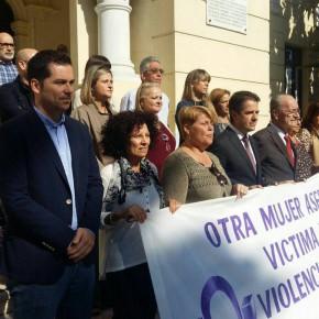 Minuto de silencio para condenar la violencia contra la mujer