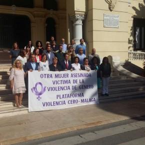 Minuto de silencio en memoria de la mujer asesinada en Olivares