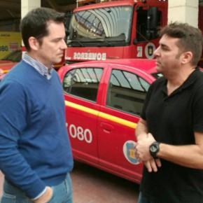 C's visita a los bomberos para demostrar su apoyo al colectivo