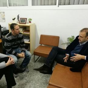El grupo municipal se reúne con la directiva del Puerta Oscura