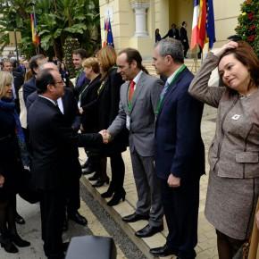 Cassá saluda a Rajoy y Hollande en la cumbre hispano-francesa