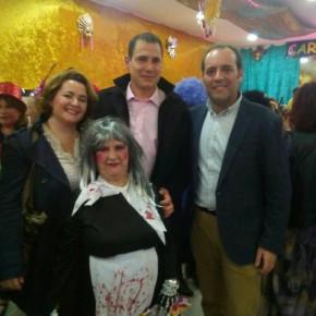Cassá y los vocales de Cruz de Humilladero disfrutan del Carnaval del Mayor
