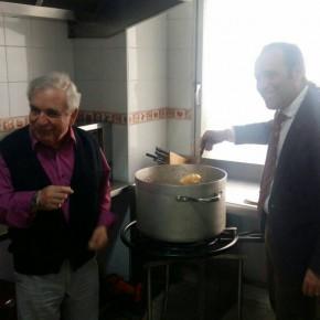 Cassá visita Amfremar y comparte el almuerzo con los voluntarios