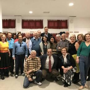 Cassá informa a la AAVV de Carranque de la contratación de obras de acerado a la altura de la avenida Andalucía