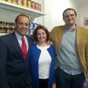 Cassá asiste a la inauguración del supermercado solidario de la Asociación Ruso Parlantes 'Andalucía Juntos'