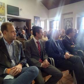 Cs asiste a la presentación de la revista La Saeta en la Agrupación de Cofradías