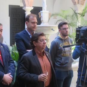 Entrega del premio de PTV 'Luis Rodríguez' a la cofradía de la Sangre