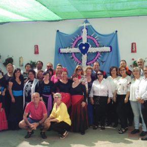 Cassá visita a numerosos colectivos que estrenan sus cruces de mayo
