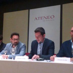 Carballo defiende el hotel del puerto en un debate en el Ateneo
