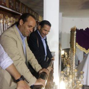 Cassá visita la casa hermandad de la cofradía del Cautivo