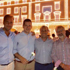 Noche de feria 'ciudadana' en el Real del Cortijo de Torres