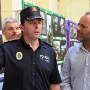 Cassá asiste a la inauguración de la muestra de fotografías de la Policía Local de Málaga