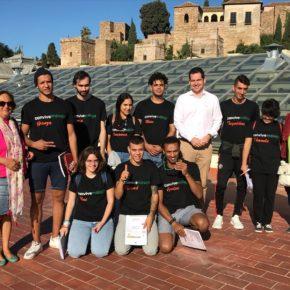 Carballo acerca el trabajo de Ciudadanos a los jóvenes de 'Convive Málaga'