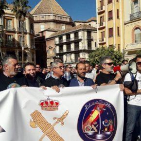 Ciudadanos Málaga asiste a la concentración por la equiparación salarial de la Policía y Guardia Civil