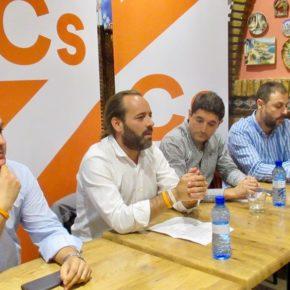 Cassá acerca el trabajo del grupo municipal a la Agrupación Centro de Cs Málaga