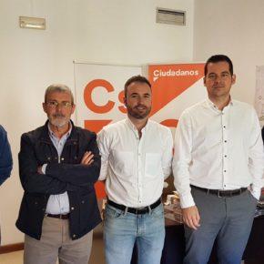 Carballo y Díaz se reúnen con empleados de comercios de AENA
