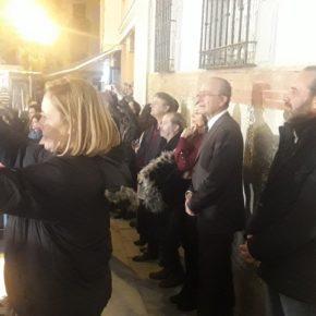 Cassá asiste a la inauguración del alumbrado navideño del Cervantes