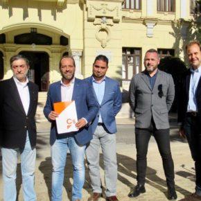 Cs pide a Junta y Ayuntamiento que elaboren planes de apoyo para escolares con dislexia en Málaga