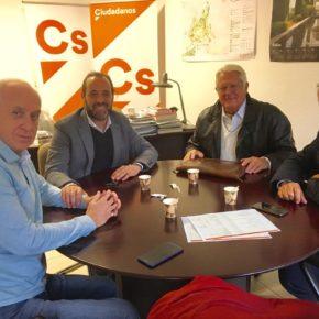 Cassá se reúne con la Asociación de Vecinos Limonar-Caleta