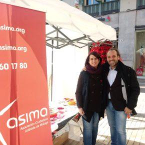 Cassá visita el stand de Asima en el Día Mundial del Sida