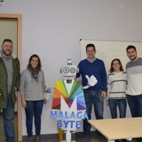 Carballo visita el taller de robótica organizado por Málaga Byte por el Día de la Mujer y la Niña en la Ciencia