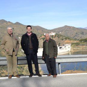 Carballo visita a los vecinos de Ribera de los Montes