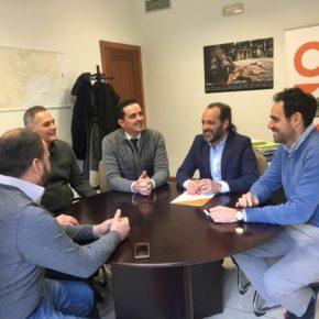 Cassá se reúne con empresarios hosteleros de Mahos