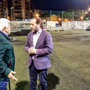 El campo de San Ignacio renueva su césped tras la denuncia de Cs Málaga