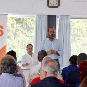 Los vecinos de Carretera de Cádiz, protagonistas del encuentro de escucha activa 11x11xMálaga impulsado por Cs