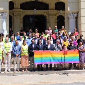 Cs Málaga asiste a la lectura del manifiesto con motivo del Día Internacional del Orgullo LGTBI