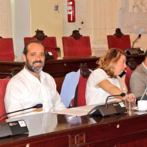 Luz verde a intensificar las multas a los propietarios que no recojan los excrementos de sus perros en Málaga