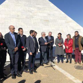 Carballo asiste al homenaje a las personas represaliadas durante la Guerra Civil y la dictadura franquista