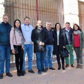 Cassá visita la Parroquia de Jesús Obrero de Palma-Palmilla para conocer la labor de Cáritas y la Asociación Vive