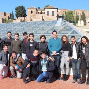 Málaga estudiará eliminar el requisito de edad en el bono de estudiantes de la EMT