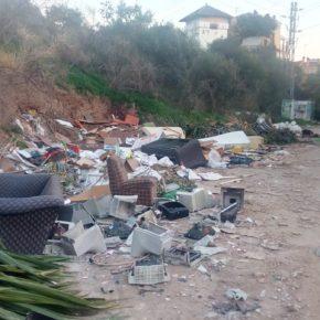 Vecinos del entorno del arroyo Jaboneros recurren a Cs para denunciar la existencia de un vertedero ilegal