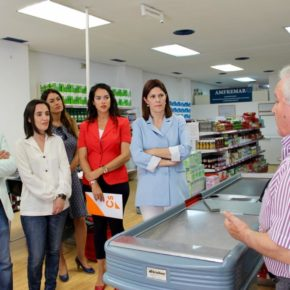 Cs se compromete a potenciar la red de supermercados solidarios y apoyo escolar en los 11 distritos durante todo el año