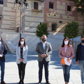 Cs pide a la Junta que clausure un baño del Pascual por graves daños a la Cripta de los Condes de Buenavista