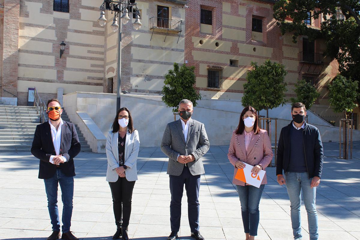 Ciudadanos pide a la Junta que clausure un baño del Hospital Doctor Pascual por graves daños a a la Cripta de los Condes de Buenavista y que reclame su reparación